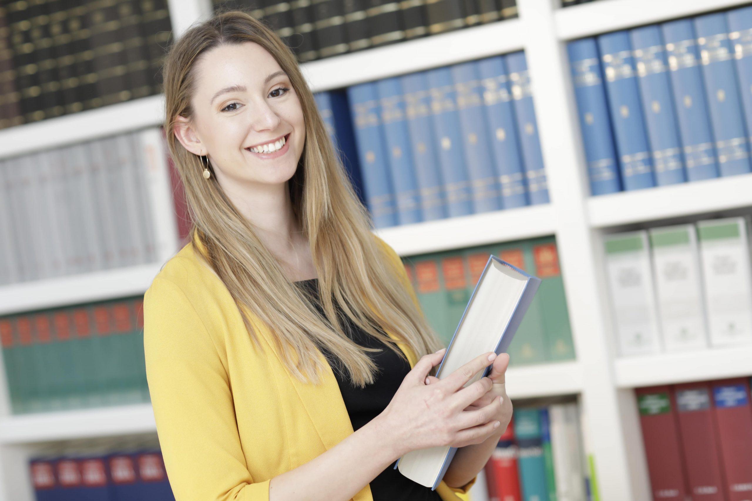 Laura van de Wert - Steuerberater Eggeling und Partner in Düsseldorf